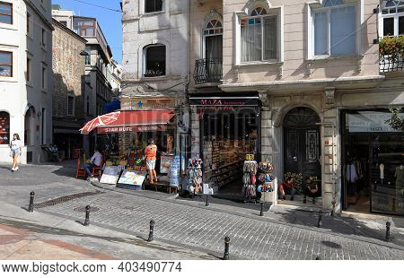 Istanbul, Turkey - October 07, 2020. Galip Dede Street With A Lot Of Shops And Restaurants. Beyoglu