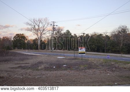 Augusta, Ga Usa - 01 02 21: Election Sign And Land For Sale Sign