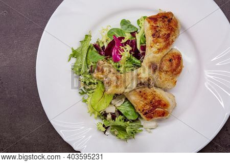 Chicken Drumsticks With Vegetable Salad, Grilled Chicken Legs On White Plate, Top View