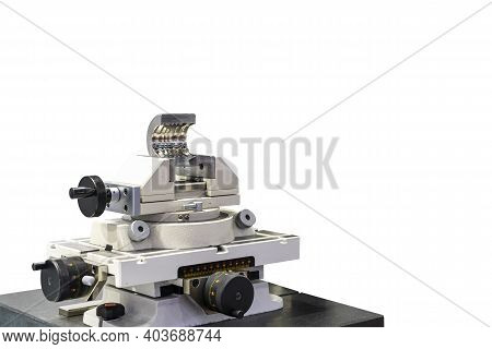 Precision X Y Table And Universal Vise Clamp Workpiece Or Product Component Of Inspection Machine Cn