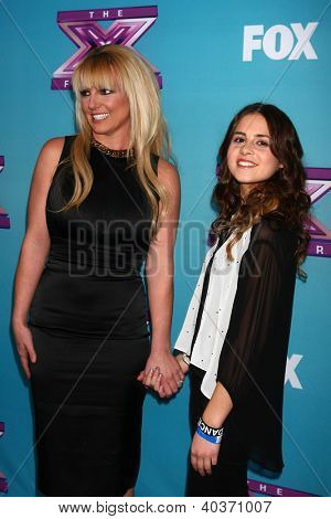 LOS ANGELES - DEC 17:  Britney Spears, Carly Rose Sonenclar at the 'X Factor' Season Finale Press Conference at CBS Television City on December 17, 2012 in Los Angeles, CA