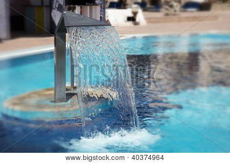 Hidrotherapy waterfall jet