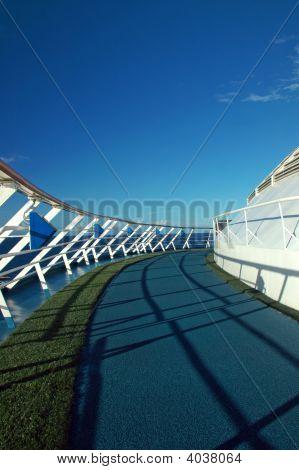 Cruise Ship Running Path