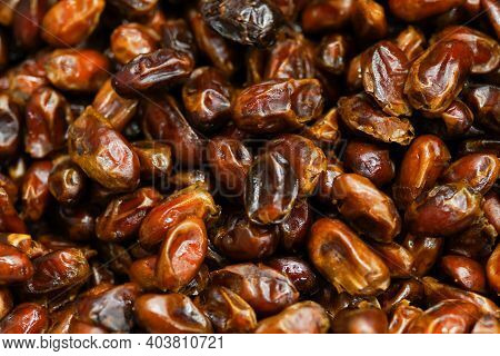 Dried Organic Date Fruits Background , Dates In The Store