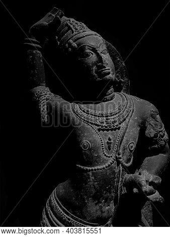Garuda, The Eagle Vehicle Of Vishnu In Human Form (late-11th Century), Sculpture