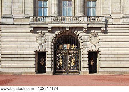 London, Uk - 28 Jul 2013: Buckingham Palace In London City, England, Uk