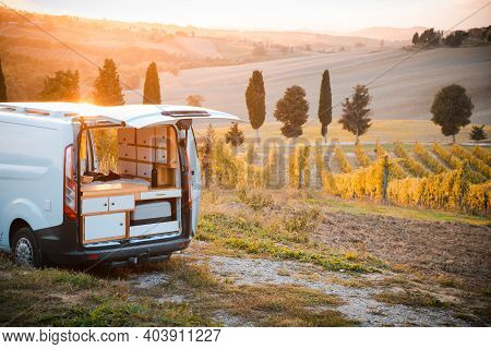 Vanlife - Live In A Beautiful Bus In The Open Nature Surrounded By Grapevines