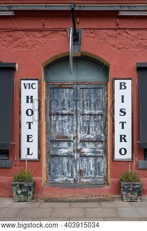 Avoca, Australia - Circa January 2021: Entrance To The Vic Bistro At Victoria Hotel