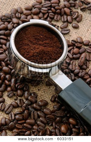 Coffee holder for espresso machine
