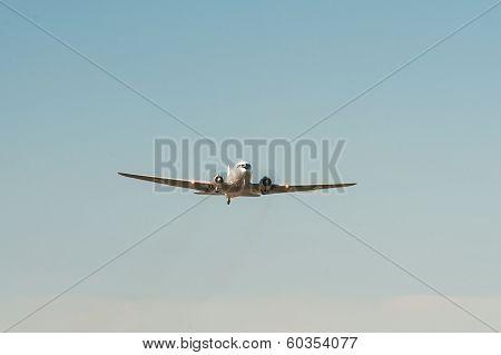 Vintage Airplane DC 3