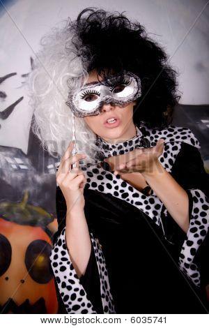 Halloween Lady Cruella De Vil