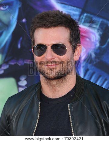 LOS ANGELES - JUL 21:  Bradley Cooper arrives to the