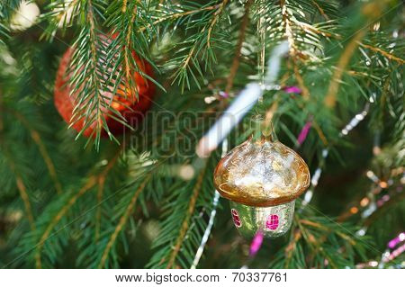 Glass Hut And Red Ball Christmas Decoration