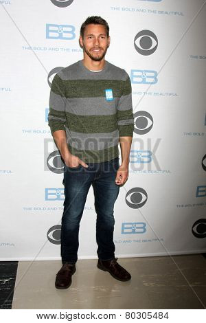 LOS ANGELES - JAN 14:  Scott Clifton as the  Bold and Beautiful Celebrates 7000th Show at a CBS Television City on January 14, 2015 in Los Angeles, CA