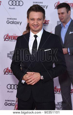 LOS ANGELES - APR 14:  Jeremy Renner arrives to the Marvel's