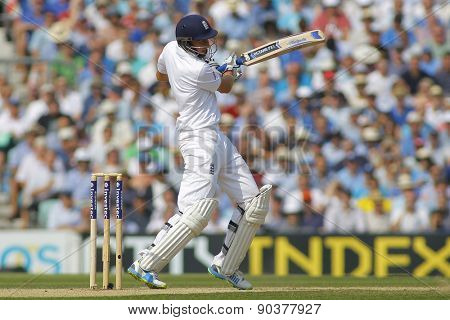 LONDON, ENGLAND - August 23: Joe Root plays a shot during day three of the 5th Investec Ashes cricket match between England and Australia played at The Kia Oval Cricket Ground