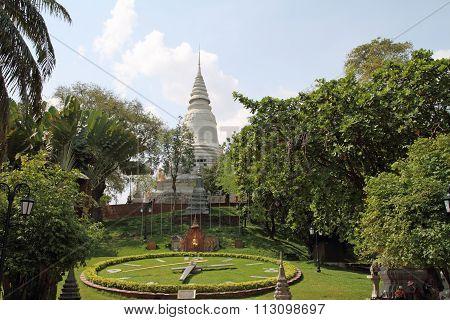 Wat phnom in Phnom Penh Cambodia