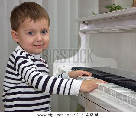 Beautiful Boy And The Piano.