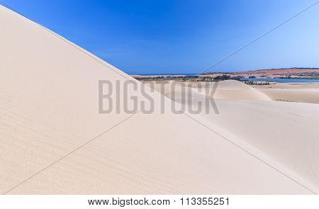 Highest beauty of white sand dunes