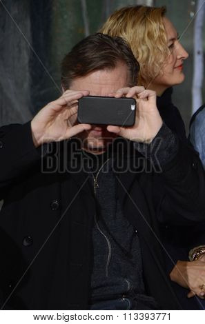 LOS ANGELES - JAN 5:  Tim Roth at the Quentin Tarantino Hand & Footprints Ceremony at the TCL Chinese Theater IMAX on January 5, 2016 in Los Angeles, CA