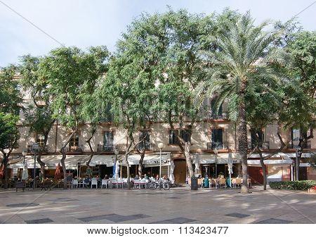 Outdoor Restaurants And Urban Life