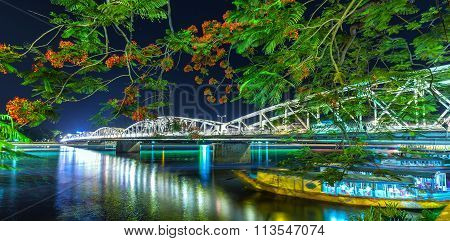 Trang Tien Bridge at night