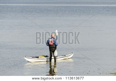 Canoeist getting ready