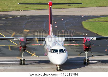 Air Berlin De Havilland Canada Dhc-8-402Q Dash 8