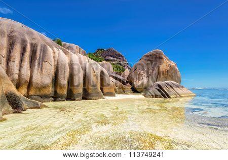 Paradise beach of Seychelles - La Digue
