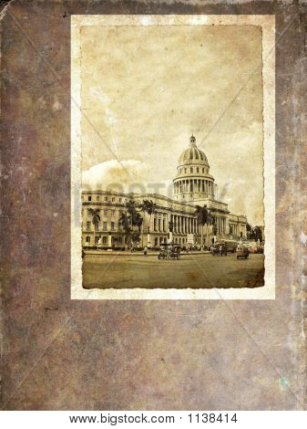 Havana Capitoly - Vintage Postcard