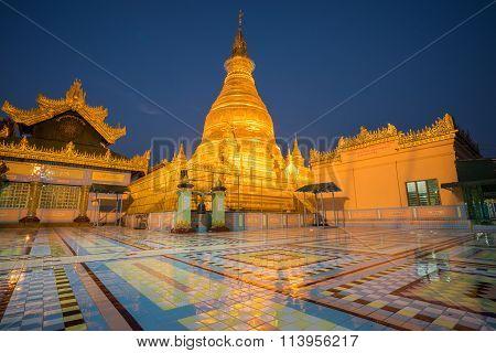 Soon Oo Ponya Shin Pagoda , Sagaing, Mandalay , Myanmar