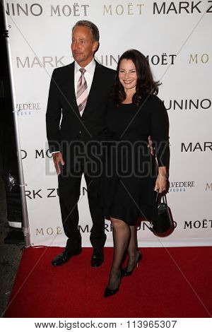 LOS ANGELES - JAN 7:  Fran Drescher at the Mark Zunino Atelier Opening at the Mark Zunino Atelier Boutique on January 7, 2016 in Beverly Hills, CA