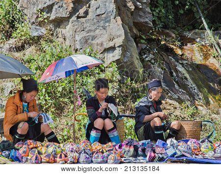 Woman Hmong Sapa, Lao Cai