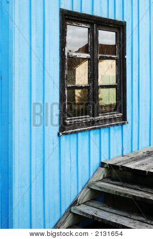 Blue Beach Hut