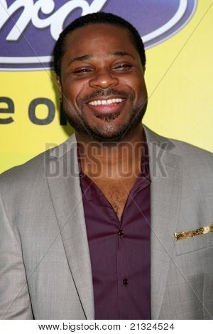 LOS ANGELES - JUN 25:  Malcolm-Jamal Warner arriving at the 5th Annual Pre-BET Dinner at Book Bindery on June 25, 2004 in Beverly Hills, CA