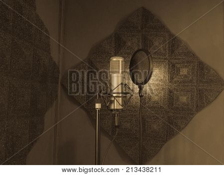 Speech pad Sound recording room and Mic condenser