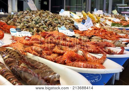 Valras-plage, Herault, France - Aug 25 2017: Selection Of Raw And Cooked Shrimp, Prawn, Crab And Oth