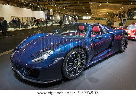 Porsche 918 Spyder Sports Car