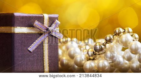 Christmas shopping - pearl necklace gift for woman - banner and greeting card idea