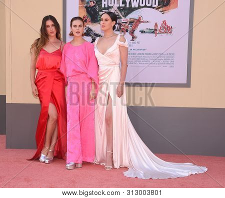 LOS ANGELES - JUL 22:  Scout Willis, Tallulah Willis and Rumer Willis arrives for the 'Once Upon A Time In Hollywood' Los Angeles Premiere on July 22, 2019 in Hollywood, CA