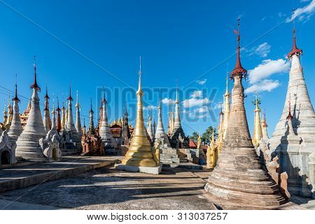 Inle Lake, Myanmar - 30 November, 2018: Wide Angle Picture Of Amazing Old Stupas At Indein Temple Lo