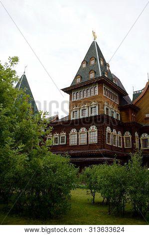 Moscow, Russia - July 14, 2018:wooden Palace Of Tsar Alexei Mikhailovich In Kolomenskoye, Moscow