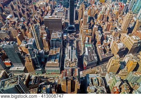 New York, Usa - March 7, 2020: View From The Empire State Building With Midtown Manhattan In Afterno