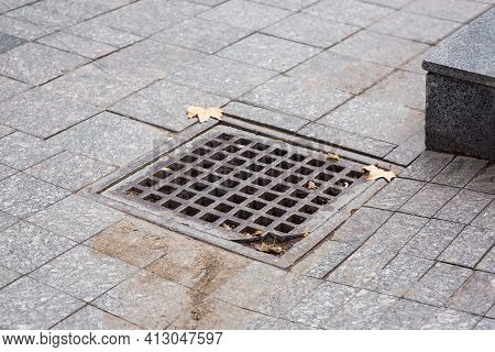 Square Drainage Hole Lattice Systems Of Town Infrastructure Pedestrian Walkway With Dry Dirty Tiles