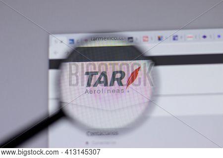 New York, Usa - 18 March 2021: Tar Aerolineas Company Logo Icon On Website, Illustrative Editorial