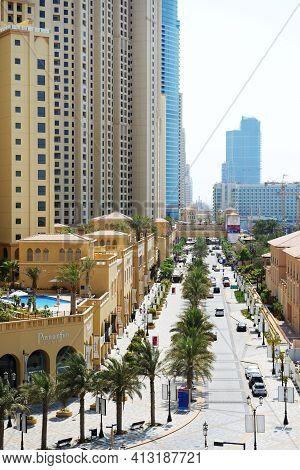 Dubai, Uae - September 12: The Walk At Jumeirah Beach Residence On September 12, 2013 In Dubai, Unit