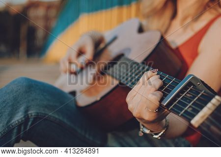 Creative Hobbies, Guitar Lessons, Playing Musical Instruments. Acoustic Guitars For Beginners. Young
