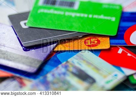 Focus On The Card With A 15% Discount. Lots Of Discount Discount Cards.