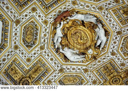 Vatican City, Vatican - May 17, 2017: Interior View Of The Basilica Of Saint Peter In The Vatican.