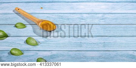 Curcuma Longa - Turmeric Is A Very Healthy Spice